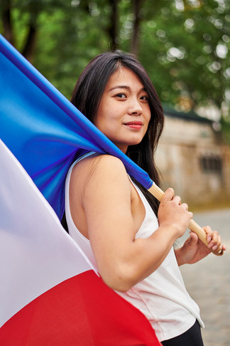MARIANNE WITH FLAG