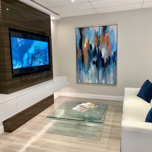 Closet Lifestyle TV Unit Showroom