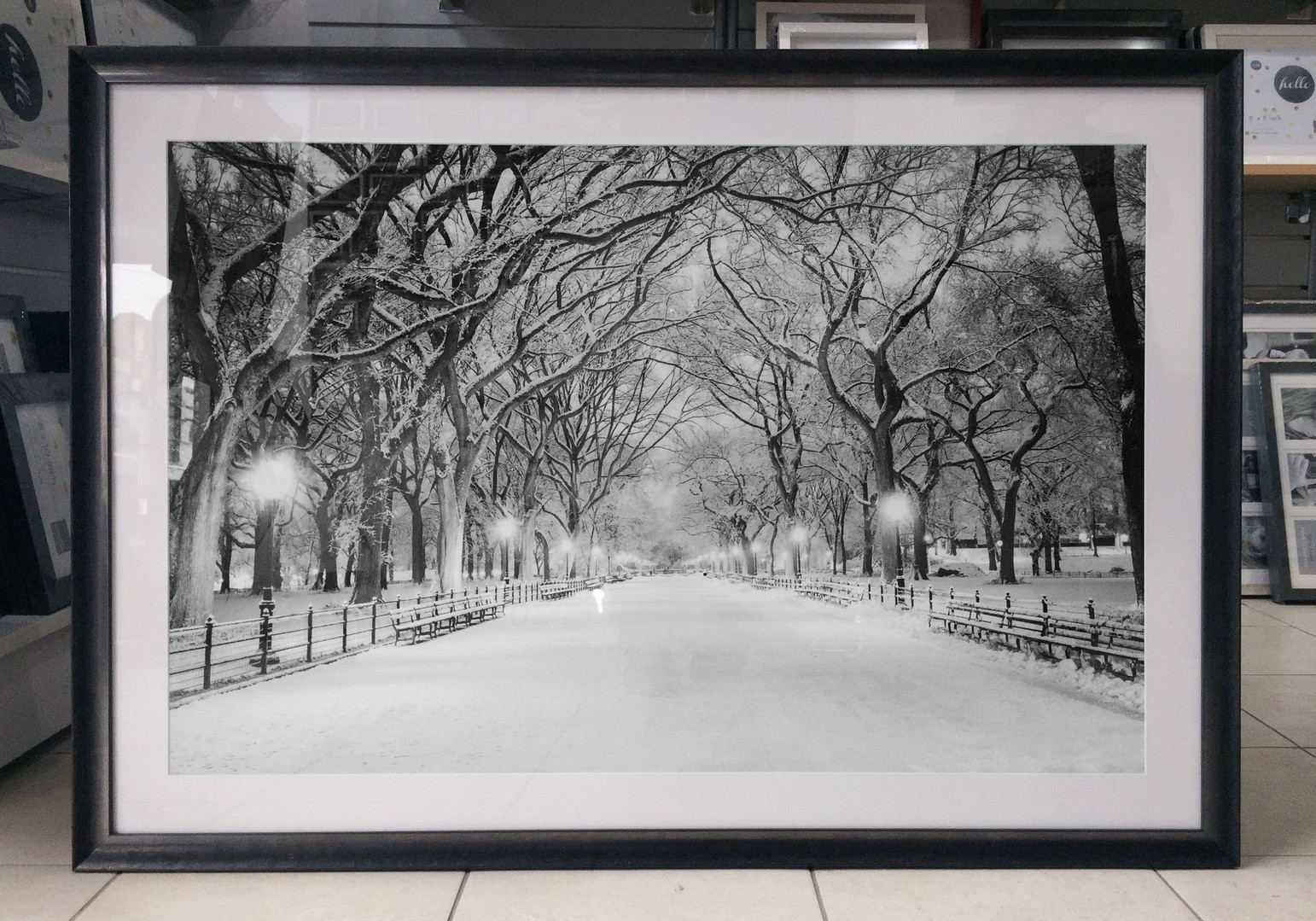 Custom Framing - X327110 Pewter wood with #0 white matt
