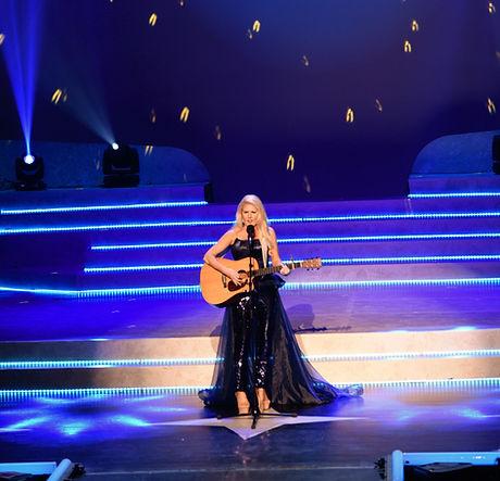 Miss Talent sing_edited.jpg