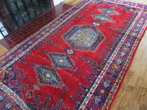 5.5 x 10.5 Hand Tied Persian Viss Rug
