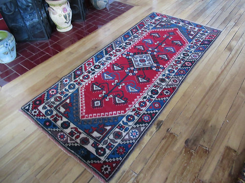 2.5 x 5.5 Hand Tied Turkish Dosemealti Rug