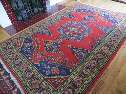 5.5 x 8 Hand Tied Persian Viss Rug