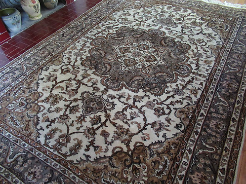 6.5 x 9.5 Hand Tied Turkish Rug