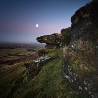 On the Edge – Moonlight