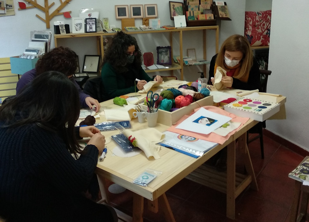 Taller de Punch Needle en Klouvi