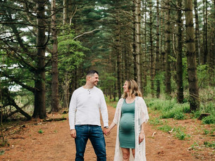 Springtime Maternity Photoshoot in the heart of the Kettle Moraine   Erin, WI