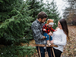 Snowy and cozy Wisconsin family session: The Aulenbachers
