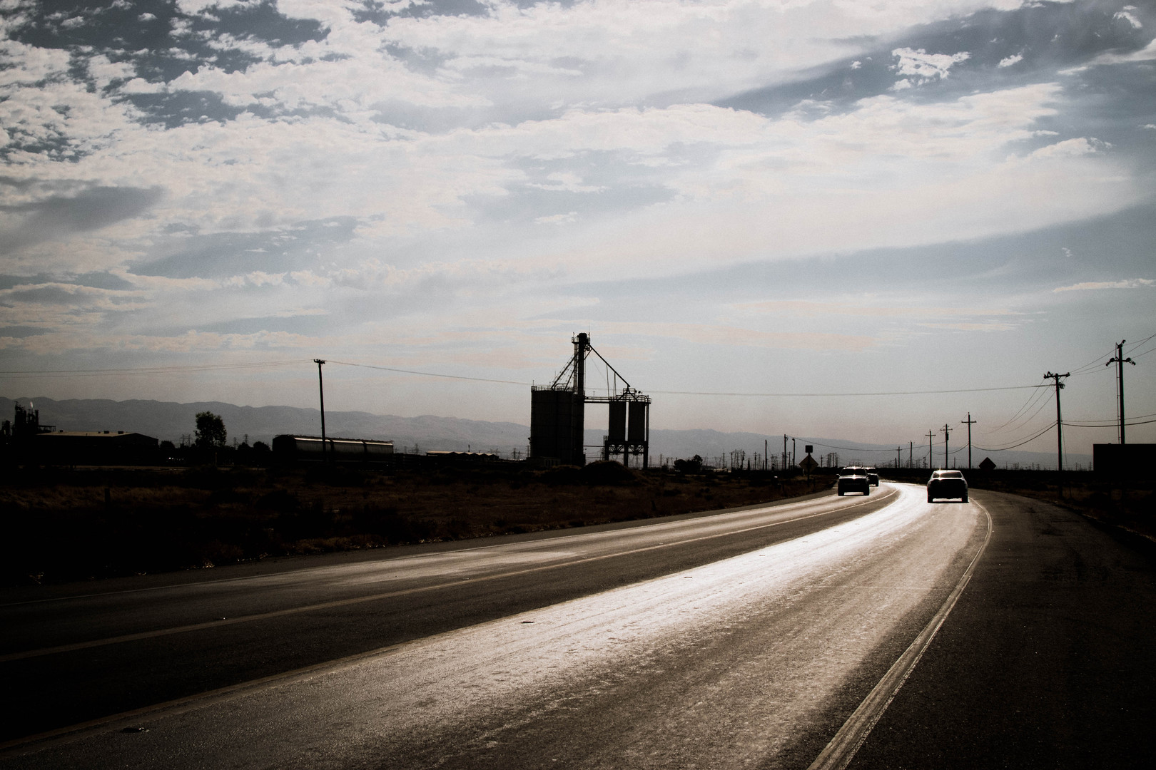EXT. Towards Buttonwillow Towers