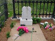 Pearl De Vere grave.JPG