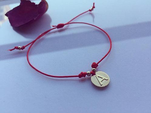 Pulsera Hilo Rojo Letra A Baño de Oro - Joyas de Mujer para Regalar