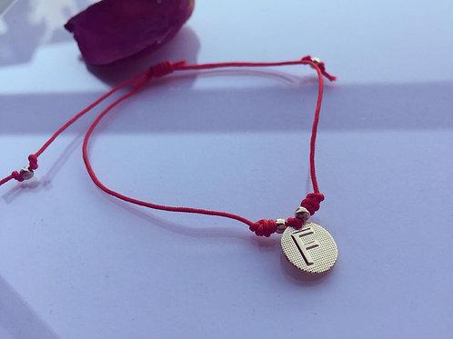 Pulsera Hilo Rojo Letra F Baño de Oro - Joyas de Mujer para Regalar