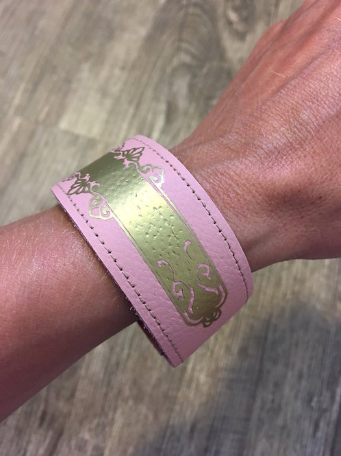 Armband rosa mit goldenem Ornament