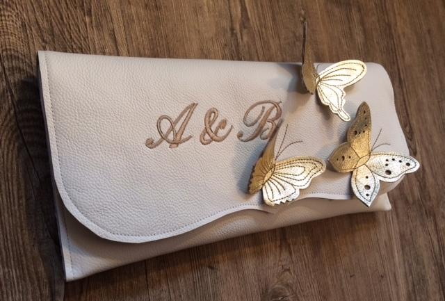 Clutch mit Schmetterlingen,Initialen