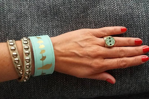 Armband mint mit goldenen Vögelchen