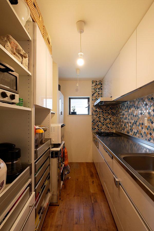 大阪市の住宅リフォーム | 大阪市 | Cooplanning | 大阪市中央区 空堀の注文住宅 1階キッチン