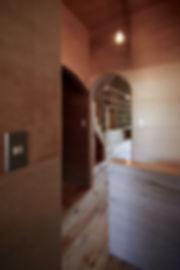 大阪狭山の注文住宅 | 大阪 | Cooplanning | 大阪狭山市 狭山の家 2階廊下からリビングを