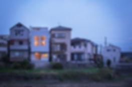 大阪狭山の注文住宅 | 大阪 | Cooplanning | 大阪狭山市 狭山の家 南側外観夕景