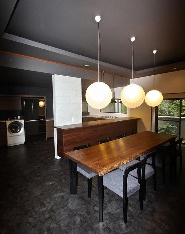住宅リノベーション 大阪 | 大阪 | Cooplanning | 東大阪市龍間 生駒山荘の別荘 オーダーキッチンとテーブル