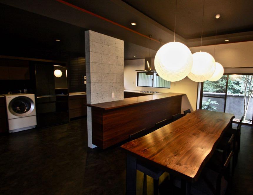 大阪の住宅リノベーション | 大阪 | Cooplanning | 東大阪市龍間 生駒山荘の別荘 リビングキッチン