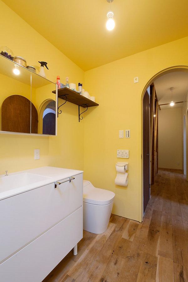 大阪市の住宅リフォーム | 大阪市 | Cooplanning | 大阪市中央区 空堀の注文住宅 2階洗面.トイレ