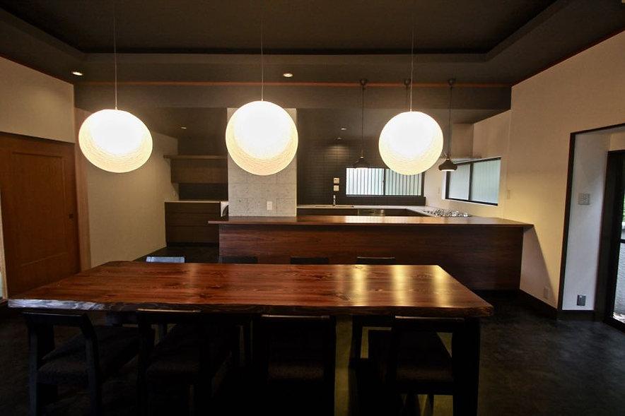 別荘のリノベーションなら 大阪 | 大阪 | Cooplanning | 東大阪市龍間 生駒山荘の別荘 ダイニングスペース