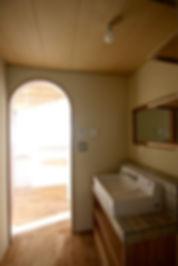 大阪府箕面市の注文住宅 | 大阪 | Cooplanning | 箕面の店舗付き住宅 内観.洗面化粧台
