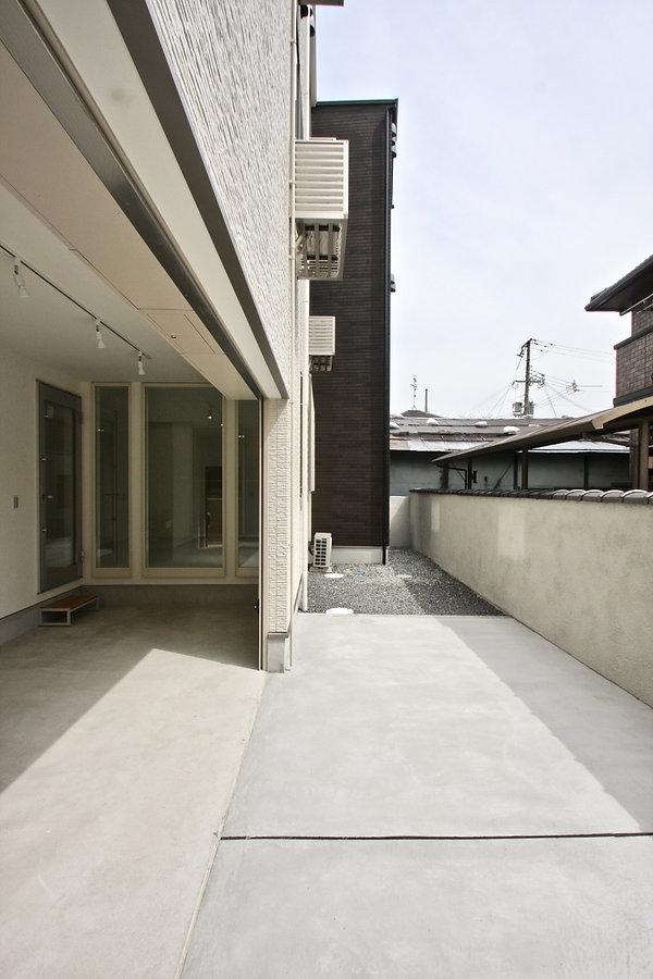 賃貸デザイナーズアパート 大阪 | 大阪 | Cooplanning | 芦屋市打出町 芦屋のアパートメント ガレージ付き住戸タイプ外観