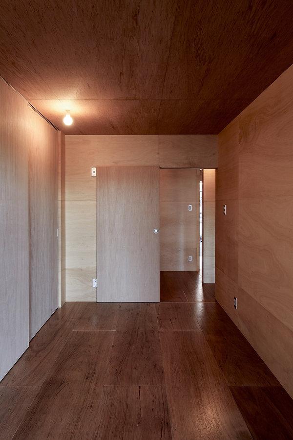 大阪狭山の注文住宅 | 大阪 | Cooplanning | 大阪狭山市 狭山の家 1階主寝室