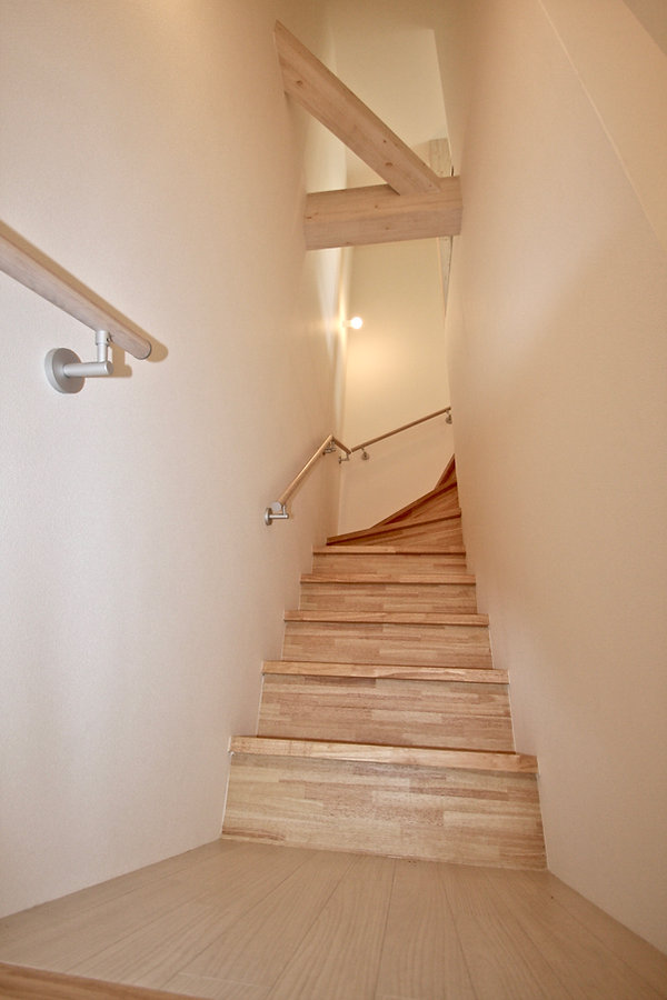 賃貸デザイナーズアパート 大阪 | 大阪 | Cooplanning | 芦屋市打出町 芦屋のアパートメント 3階住戸螺旋階段 内観