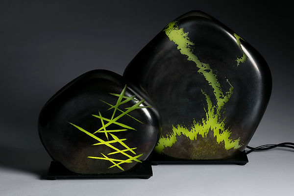 Sculpture lumineuse Terre graphique by Dylan Duchet Glass art