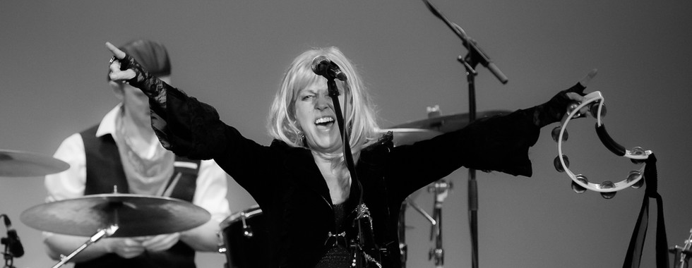 MAC DADDY - The Fleetwood Mac Experience Show