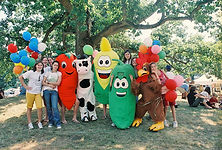 Farmfest Teen Volunteers_lr.jpg