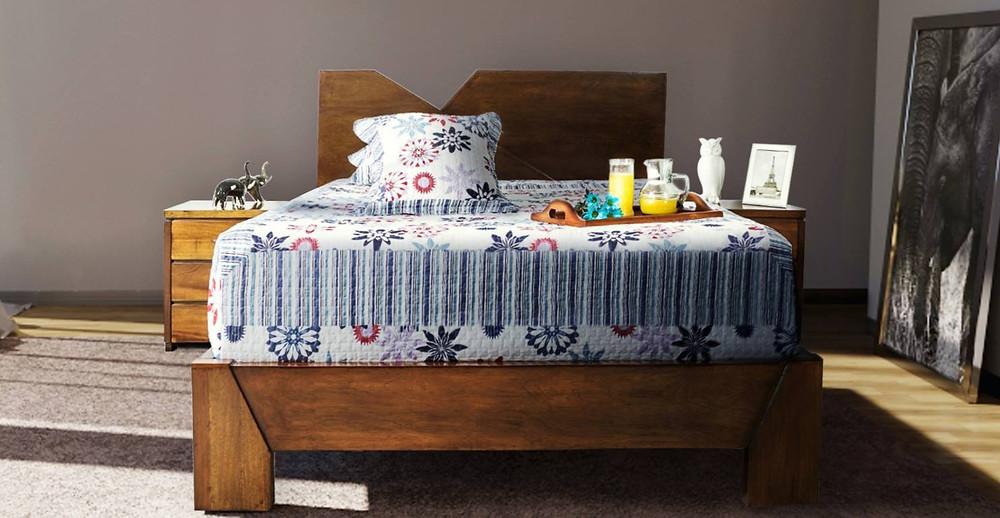 Alcoba compuesta de cama deco o moderna. Fabricada en cedro y con terminado en café envejecido