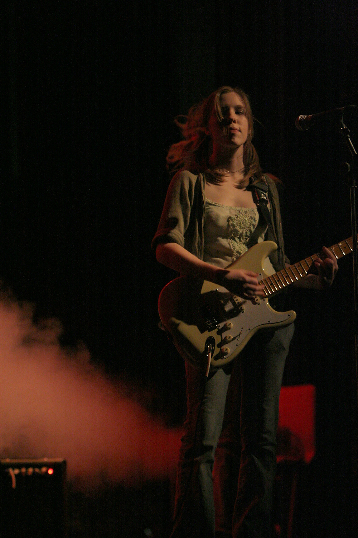 Megan Johns Live_Photo by Barry Mink