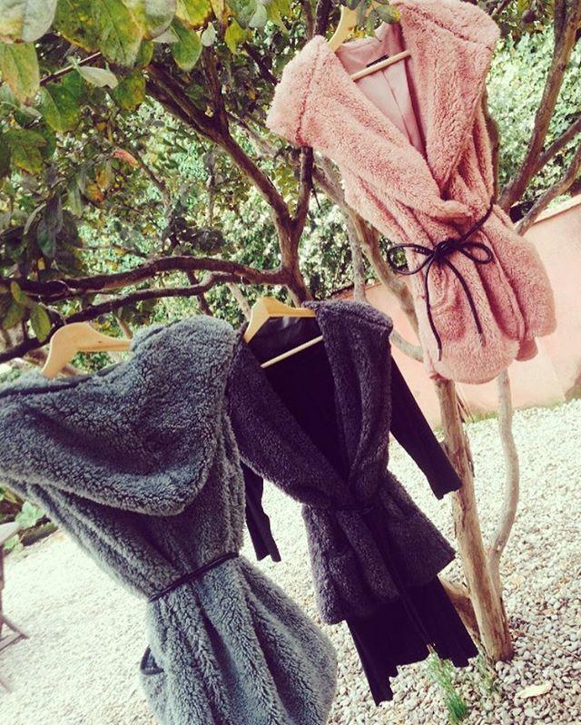 Abrigos y accesorios de pelo.