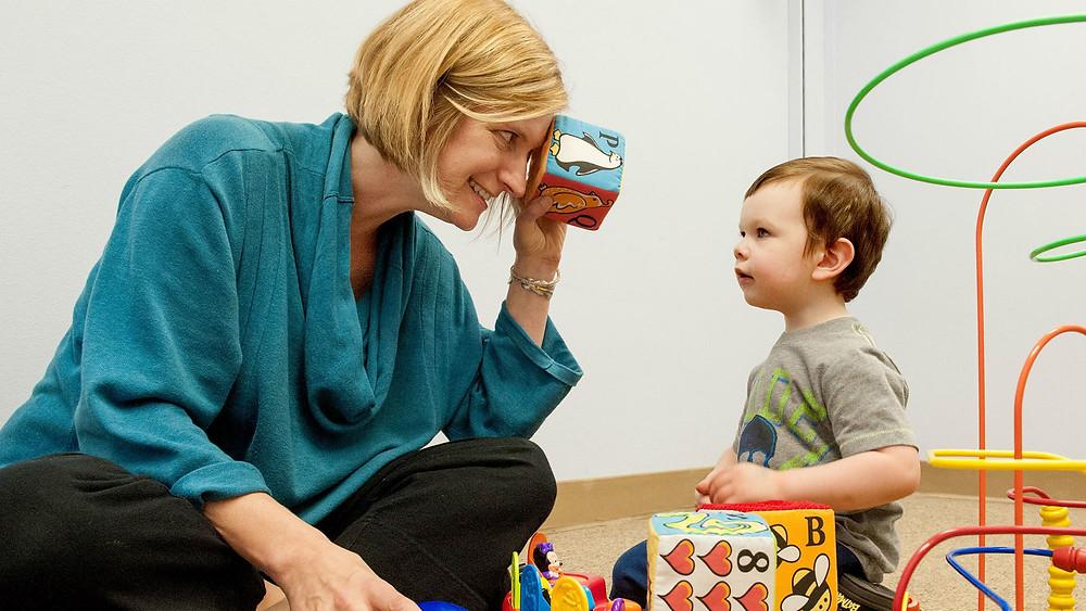 признаки аутизма аутизм у взрослых причины