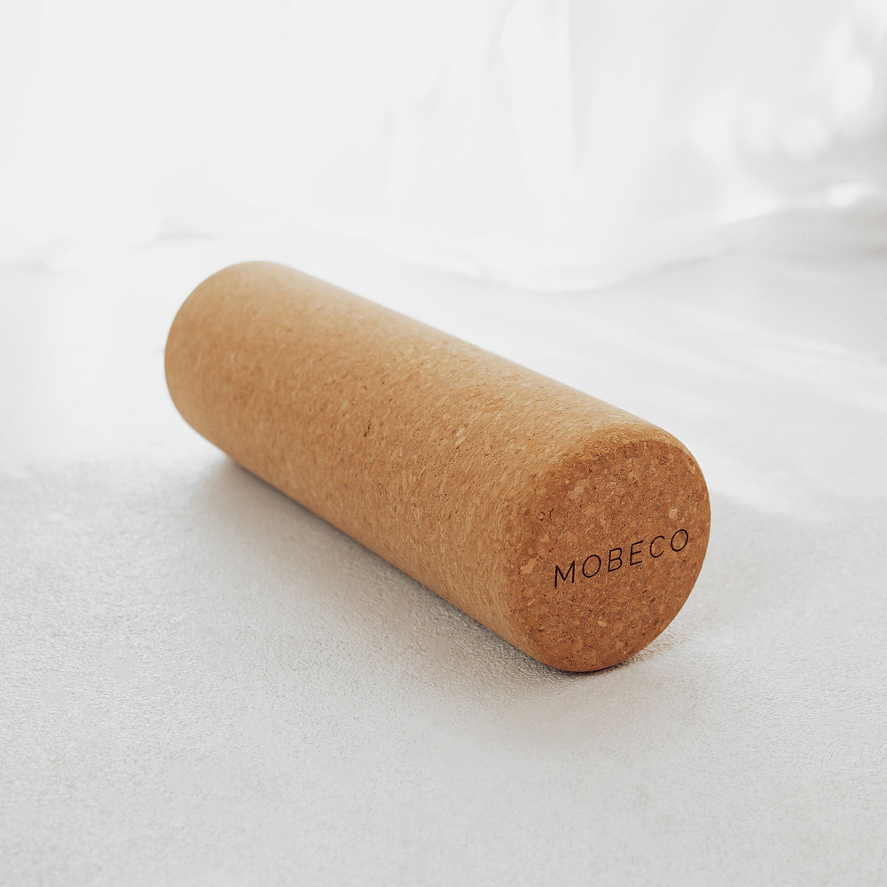 Bye knots with MOBECO Cork Roller #byeknots #mobeco #corkroller #massageroller