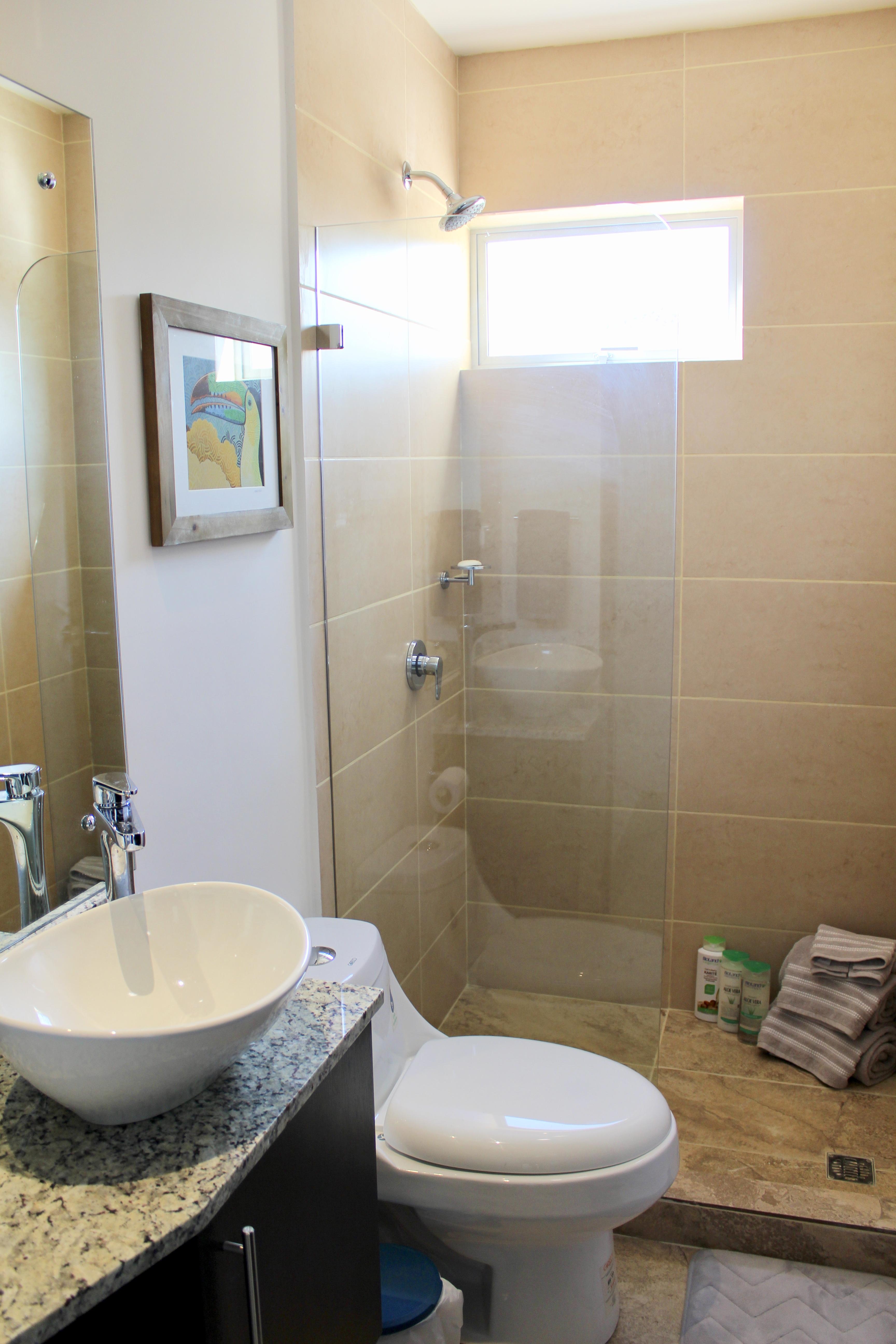 2nd Floor Main Bathroom