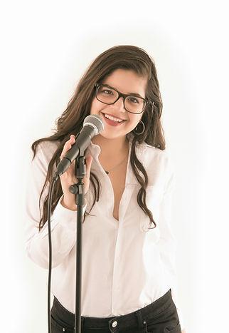 Daniela-Amado-female-young-music-teacher
