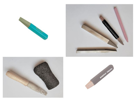 Sticks of all kinds of shapes and materials, the best aid to remove a blown coat