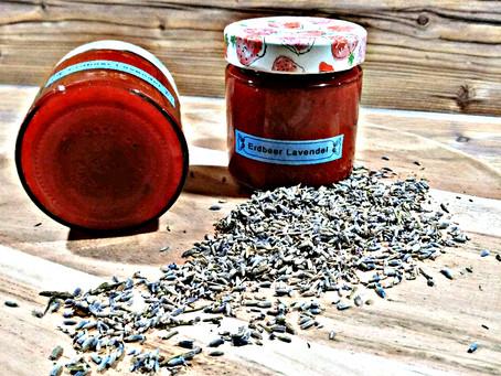Küstenmutti und die Erdbeerliebe / Rezept für eine Erdbeer-Lavendel-Konfitüre