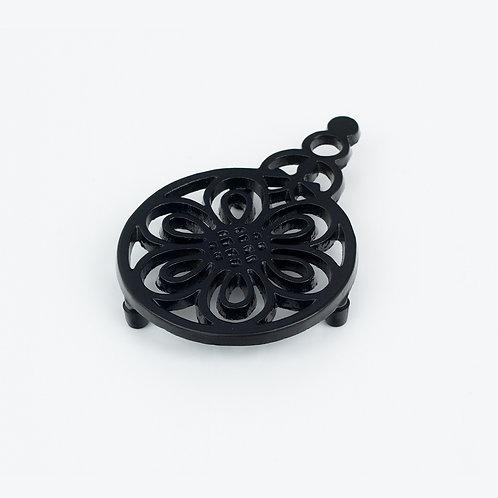 RW101E Flower & Bee Trivet Black