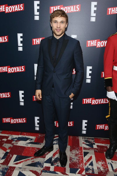 William+Moseley+Royals+Premieres+NYC+HfEIyfpyeEbl