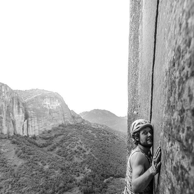 Initiation to #tradclimbing in Liming, Y
