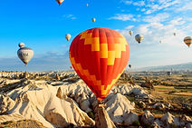 hot-air-balloons-691941_1920_edited.jpg