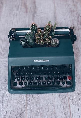 Florencia Viadana Unsplash com Typewrite