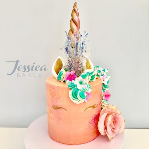 Summer vibes Unicorn cake in buttercream.