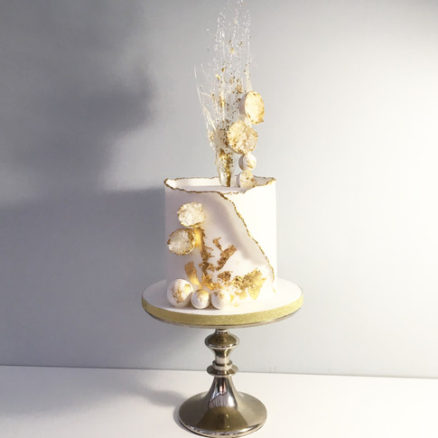 Geodes and Champagne explosion cake in fondant