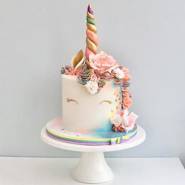 Fondant Rainbow Unicorn cake